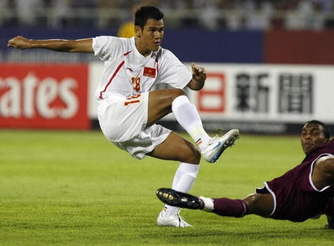 Doi hinh tuyen Viet Nam gay bat ngo tai Asian Cup 2007 gio o dau? hinh anh 10