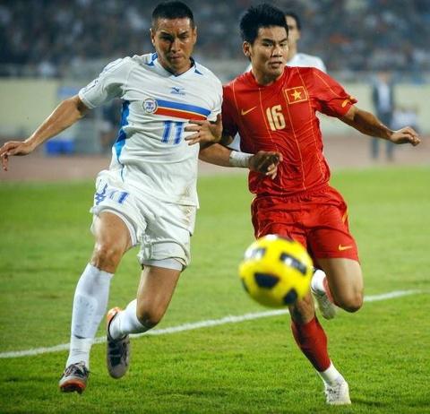 Doi hinh tuyen Viet Nam gay bat ngo tai Asian Cup 2007 gio o dau? hinh anh 2
