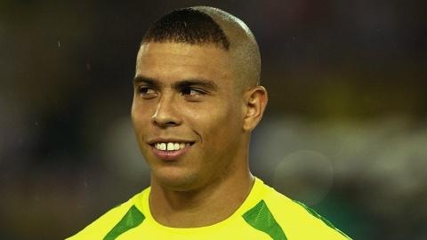 Firmino tung cat toc y het Ronaldo 'beo' hinh anh