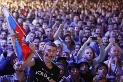 Nhung 'bong hong' Nga bat khoc khi doi nha dung buoc o World Cup hinh anh 12