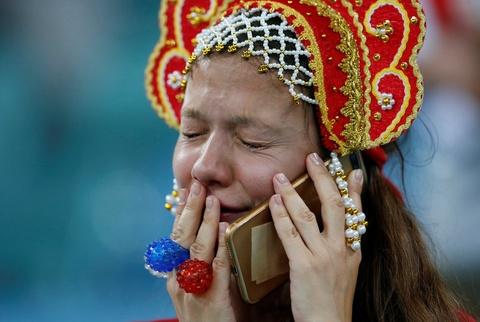 Nhung 'bong hong' Nga bat khoc khi doi nha dung buoc o World Cup hinh anh 5