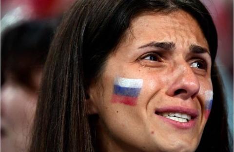 Nhung 'bong hong' Nga bat khoc khi doi nha dung buoc o World Cup hinh anh 6