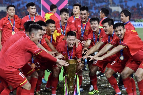 BLV Quang Huy: 'Vo dich roi! an mung thoi cac ban oi' hinh anh 3