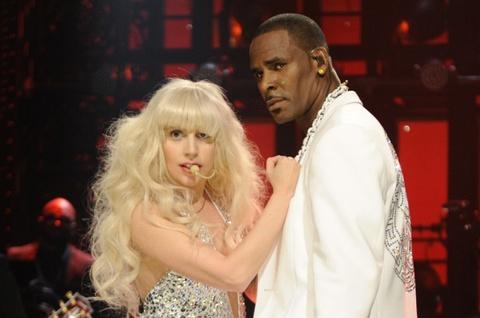 Lady Gaga gap rac roi vi nghi van tan cong tinh duc cua R. Kelly hinh anh