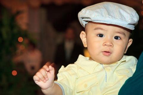 Ty phu 1 tuoi khong lam chu tich Dai Nam hinh anh