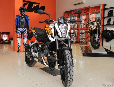 Can canh xe mo to KTM Duke 200 hinh anh