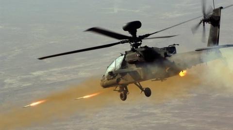 My dieu truc thang Apache ngan IS chiem san bay Baghdad hinh anh