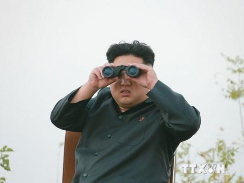 Kim Jong Un thi sat cuoc tap tran quy mo lon hinh anh