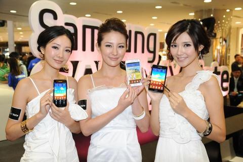 Cau chuyen Samsung: Chiec banh kep giua Apple va Trung Quoc hinh anh