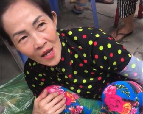 Di Huynh Lap gay sot khi 'boc gia' trang phuc khong tuong hinh anh