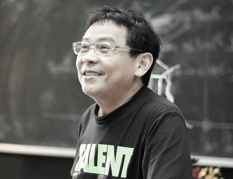 GS Duong Nguyen Vu het minh voi sinh vien hinh anh