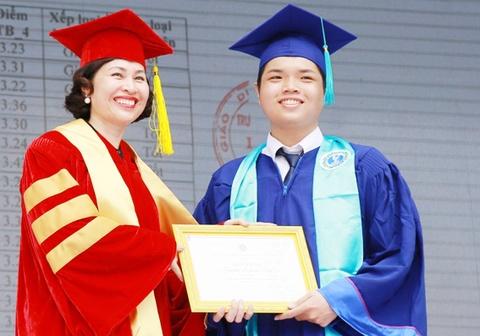 GS Mai Hồng Quỳ là hiệu trưởng ĐH Hoa Sen