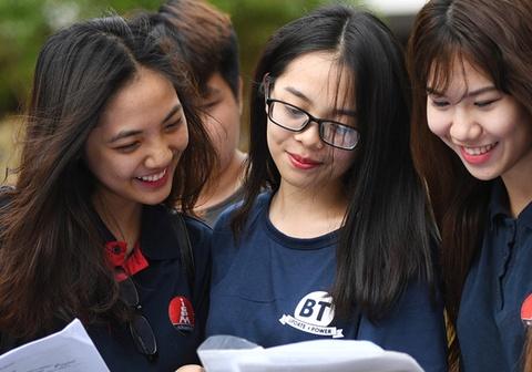 'Tuyển sinh viên sư phạm nên như tuyển sinh quân đội'