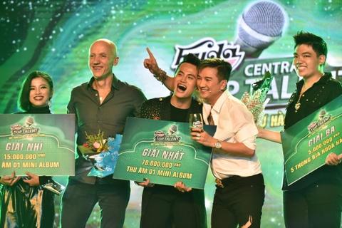 Ho Ngoc Ha va Mr. Dam khuay dong chung ket Huda Central's Top Talent hinh anh 6