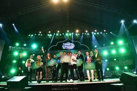 Ho Ngoc Ha va Mr. Dam khuay dong chung ket Huda Central's Top Talent hinh anh 9