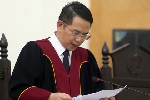 Cuu giam doc CDC Ha Noi khong duoc giam an hinh anh
