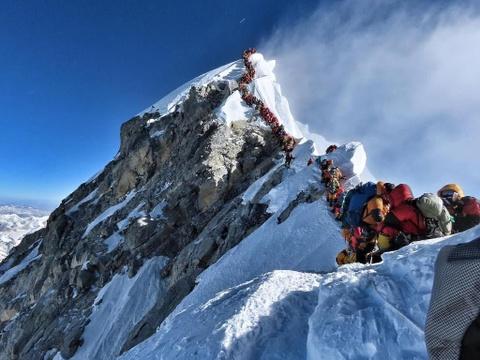 'Tac duong' len dinh Everest, nguoi leo nui doi mat tu than hinh anh 1