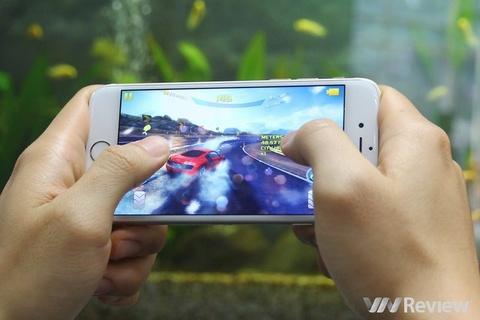 Tai sao iPhone 6 cau hinh binh thuong ma chay van muot? hinh anh