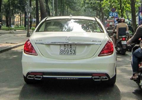 Mercedes S63 AMG gia 9 ty lan banh tren pho Sai Gon hinh anh