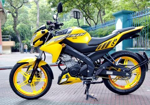 Yamaha FZ150i do mau vang bat mat cua phuot thu Sai Gon hinh anh
