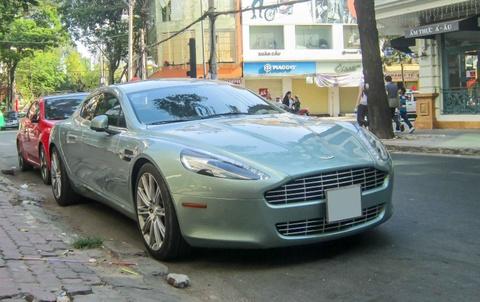 Sieu xe Aston Martin Rapide tai xuat tren duong Sai Gon hinh anh