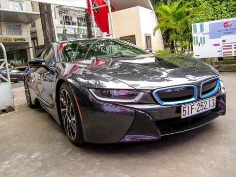 Nghe thu tieng dong co BMW i8 hinh anh