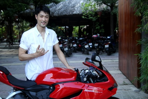 Chi tiet Ducati 899 Panigale moi cua Johnny Tri Nguyen hinh anh