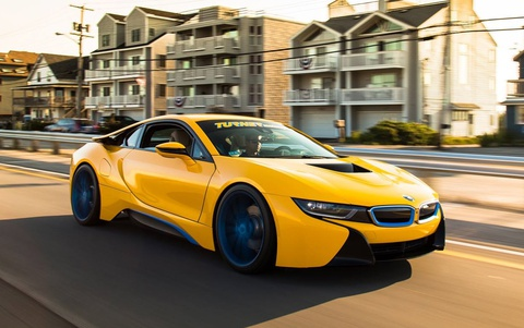 BMW i8 do mau vang noi bat hinh anh