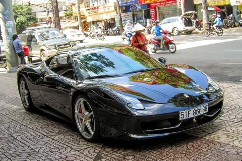 Sieu xe Ferrari 458 Italia bien so dep o Sai Gon hinh anh
