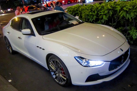 Xe sang Maserati Ghibli dau tien tai TP HCM hinh anh