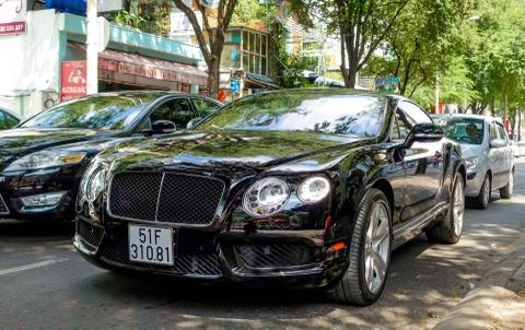 Sieu xe Bentley Continental GT V8 dau tien ra bien o Sai Gon hinh anh