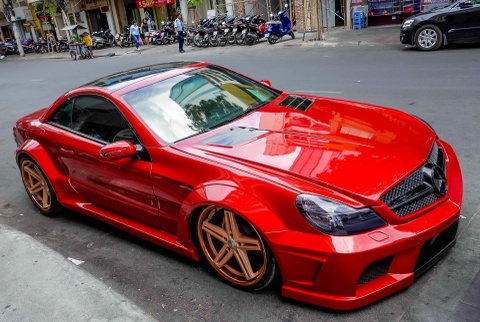 Mercedes SL 55 AMG do than rong o Sai Gon hinh anh