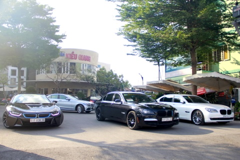 Hang chuc xe the thao xuat phat tu Sai Gon di Phan Thiet hinh anh 1