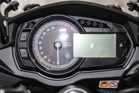 Kawasaki Z1000SX - phien ban duong truong cua Z1000 ve VN hinh anh 12