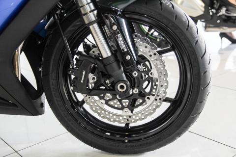 Kawasaki Z1000SX - phien ban duong truong cua Z1000 ve VN hinh anh 9
