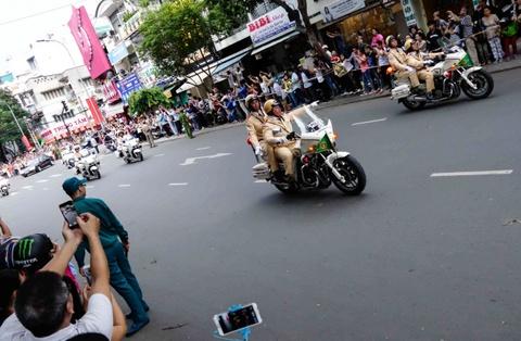 Chi tiet doan xe ho tong Tong thong Obama o Sai Gon hinh anh 8