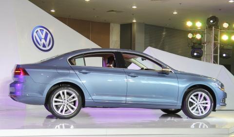 Chi tiet Volkswagen Passat 2016 gia tu 1,45 ty tai Viet Nam hinh anh 5