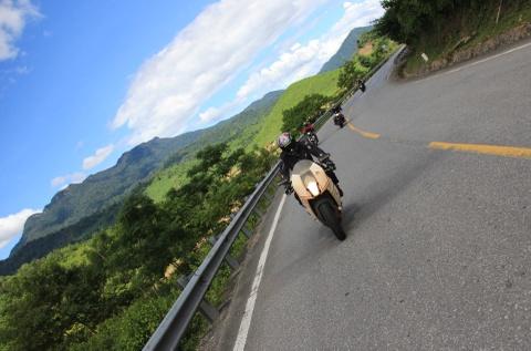 Phuot 2.000 km xuyen Viet tren nhung chiec Kawasaki hinh anh 13