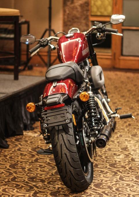Harley Davidson Roadster 1.200 phan khoi ra mat tai Viet Nam hinh anh 3