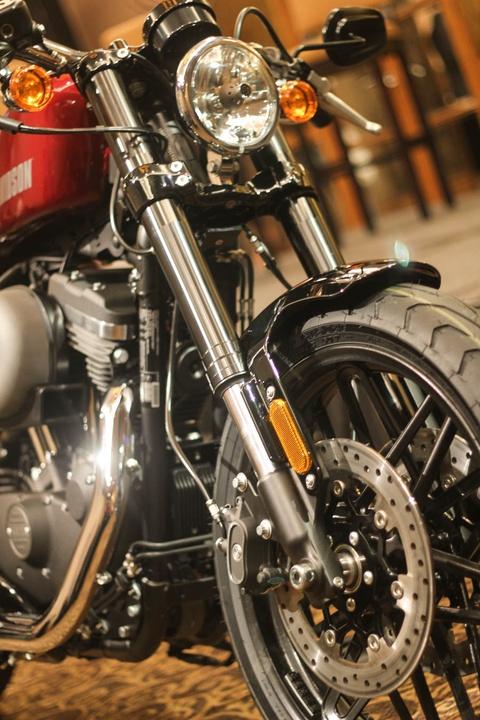 Harley Davidson Roadster 1.200 phan khoi ra mat tai Viet Nam hinh anh 4
