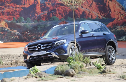 gia mercedes glc 250 hinh anh