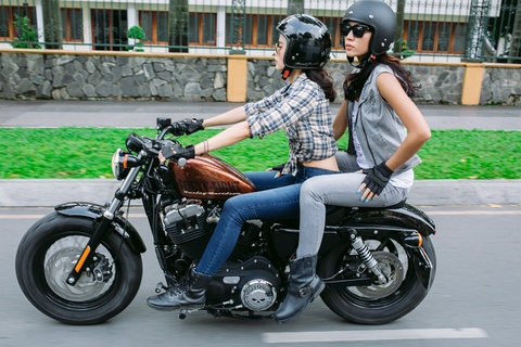 Nhieu mau Harley Davidson giam gia manh tai Viet Nam hinh anh