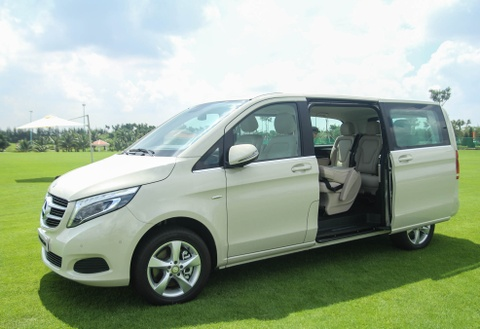 Chi tiet Mercedes V 250 gia 2,5 ty dong tai Viet Nam hinh anh 13