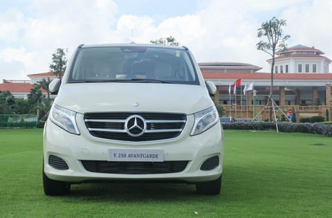 Chi tiet Mercedes V 250 gia 2,5 ty dong tai Viet Nam hinh anh 2