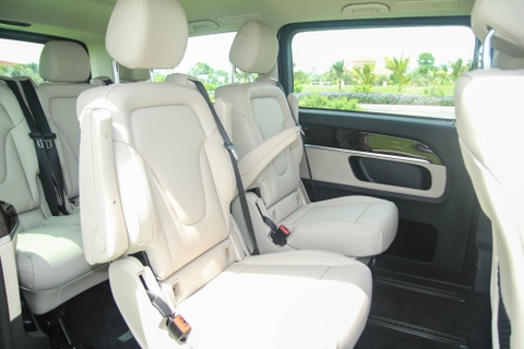 Chi tiet Mercedes V 250 gia 2,5 ty dong tai Viet Nam hinh anh 7