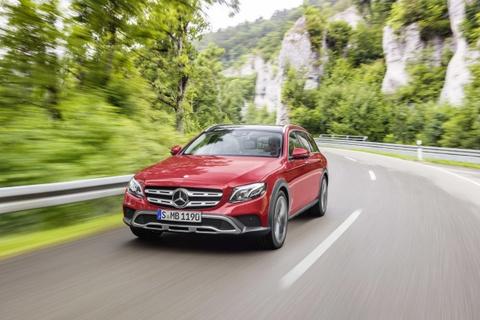 Mercedes-Benz ra mat E-Class co kha nang off-road hinh anh