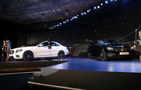 Chi tiet Mercedes E300 AMG gia tren 3 ty vua ra mat tai VN hinh anh 14