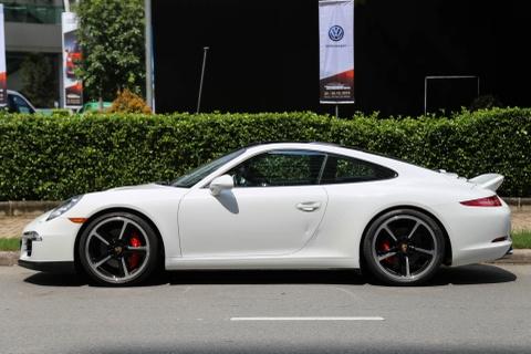 Sieu xe Porsche ban so luong han che tai Sai Gon hinh anh 2