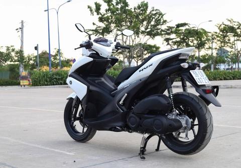 Chi tiet Yamaha NVX: Kich thuoc lon, dang the thao hinh anh 3