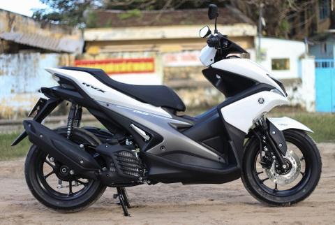 Chi tiet Yamaha NVX: Kich thuoc lon, dang the thao hinh anh 19